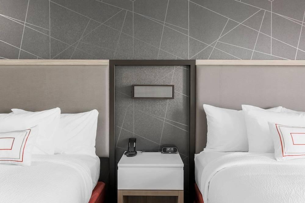 Good Quality Springhill Suites Hotel New Design Laminate Hotel Furniture